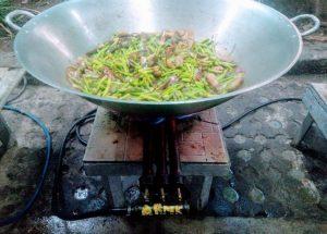 Food N' Books: Chef Ida's Food Assistance Initiative